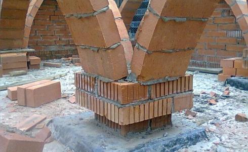 Полнотелый кирпич М150 и М200 для столбов, колонн, заборов